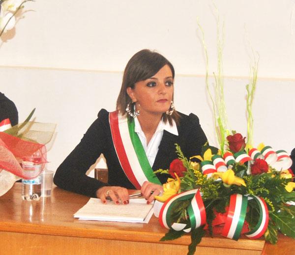 """Pizzone: """"Chiuso per mancanza di dipendenti"""". Letizia Di Iorio costretta a chiudere il Municipio."""