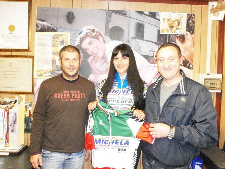 """Manuela De Iuliis la campionessa della """"Valle del Volturno"""". """"Il sogno 2016 è il Giro d'Italia"""". La giovane di Rocchetta diventata da poco professionista."""