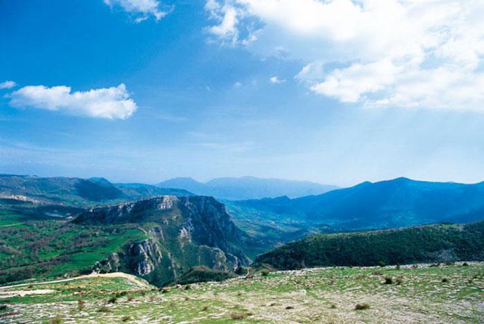 """""""Parco Nazionale del Matese, Comunità in Cammino"""". Domani il convegno promosso dal comune di Castelpetroso."""