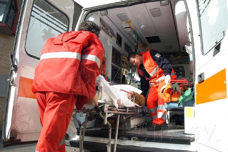 Colli a Volturno: schiacciato dal proprio mezzo in fase di riparazione. 50enne del posto in gravi condizioni