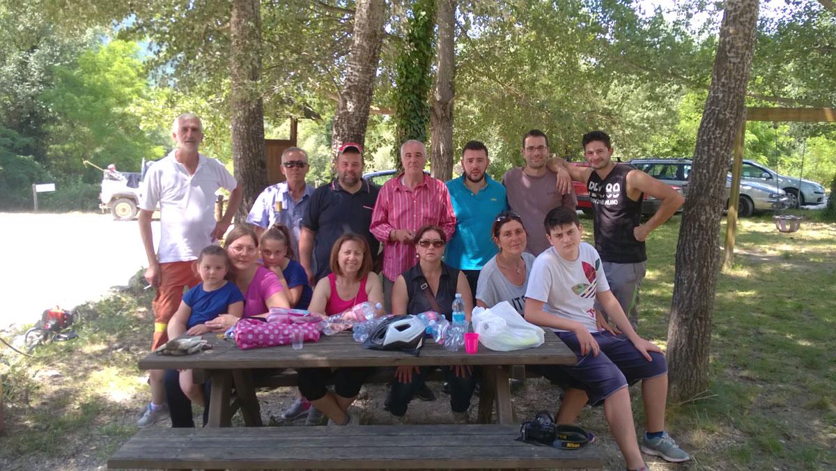 Gruppo volontari pulizia parco fluviale