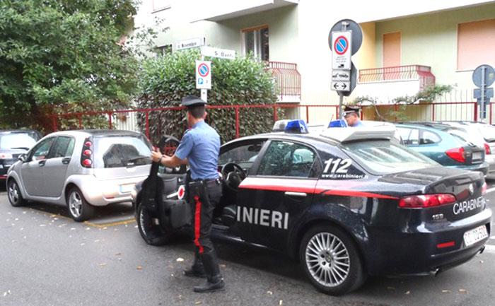 Operazione dei Carabinieri, una persona arrestata e quattro denunciate all'Autorità Giudiziaria. A Cantalupo pizzicato 35enne per furto e spaccio di droga.