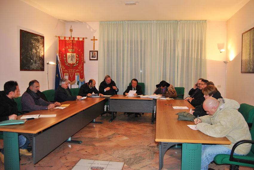 Pizzone e Montaquila: consigli comunali in aula. Letizia Di Iorio impegnata con il bilancio di previsione. A Rossi spetta il programma triennale delle opere pubbliche.