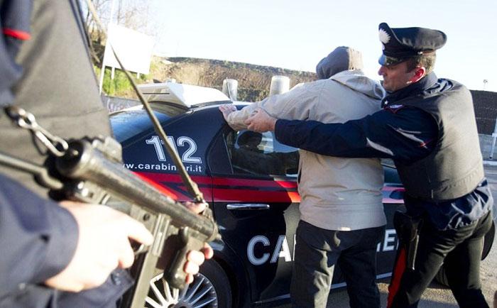 I Carabinieri di Venafro sgominano banda di ladri. Avevano commesso oltre 100 furti all'interno delle scuole tra Molise, Campania, Lazio e Puglia.