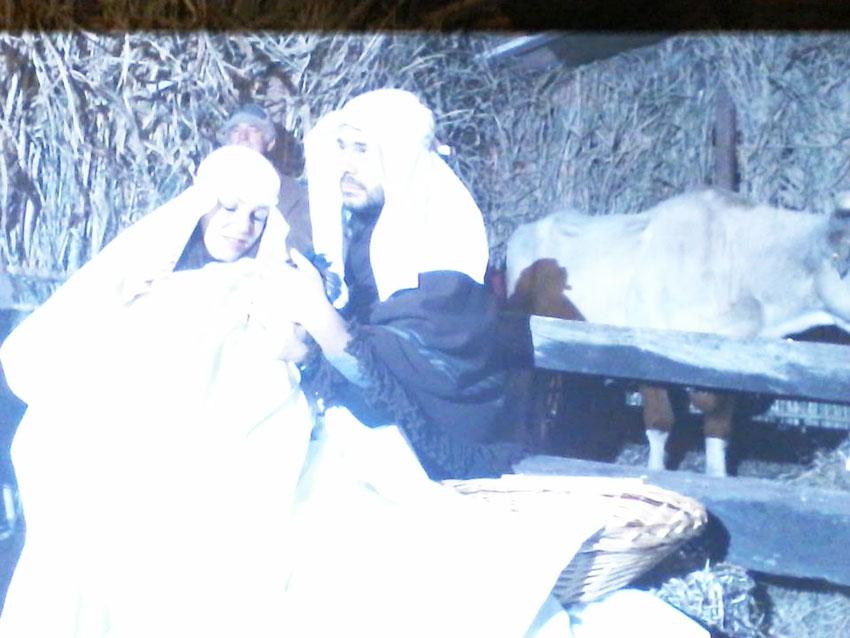 Fornelli: grande successo per il Presepe Vivente nella notte di Santo Stefano. Il borgo si è illuminato a festa.