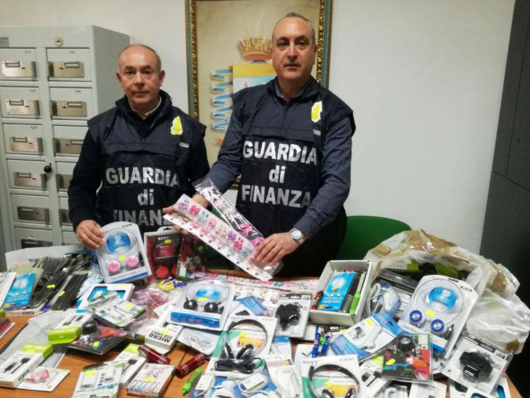 Colli a Volturno: maxi sequestro di merce contraffatta intercettato dalla Guardia di Finanza.