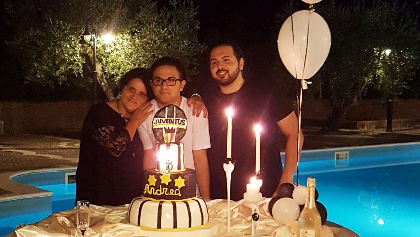 L'Angolo degli auguri: la nostra redazione festeggia i 18 anni di Andrea Izzi.
