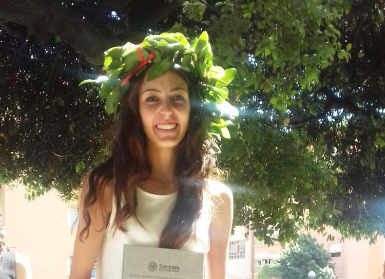 L'Angolo degli Auguri: festeggiamo quest'oggi la laurea della collese Desy Di Sandro.
