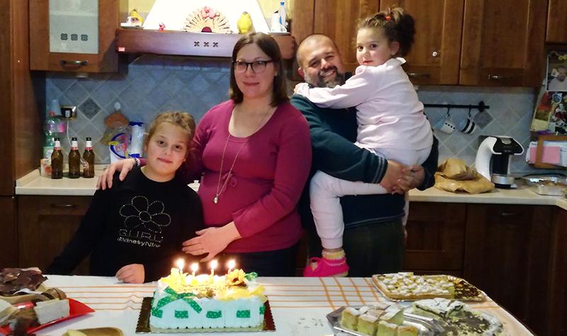 L'Angolo degli Auguri: la nostra redazione festeggia i 33 anni di Marianna Ciampone. Per lei un compleanno speciale.