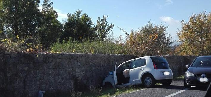Macchia d'Isernia: scontro frontale tra due auto all'altezza di Mega Cina. Due i feriti lievi