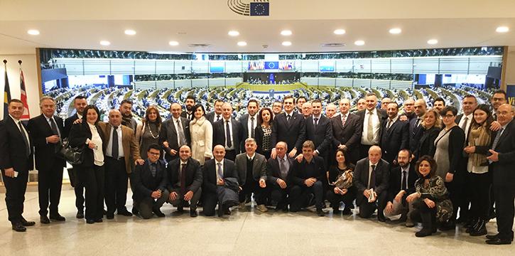 """Delegazione Molisana in visita al Parlamento Europeo. Patriciello: """"Aprirsi all'UE per una maggiore crescita"""""""