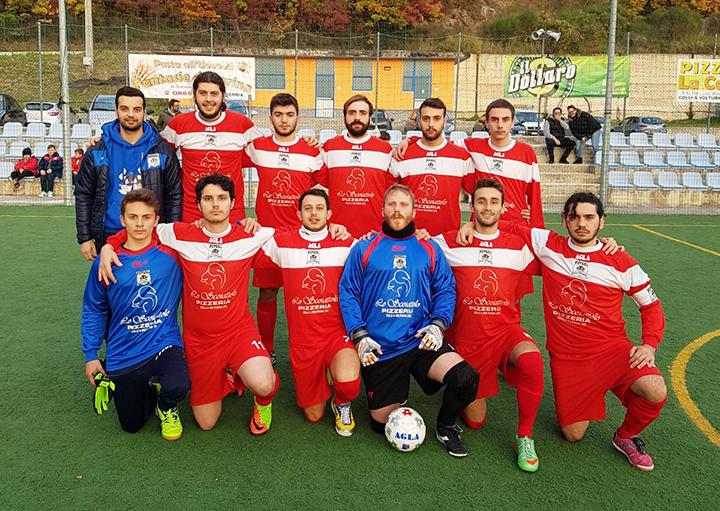 Calcio a 5: la Futsal Colli continua la lotta al vertice, altra vittoria pesante contro il Roccaravindola. Tre punti che mantengono la formazione di Ricci al vertice.