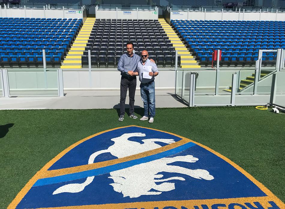 Boys Roccaravindola e Frosinone ancora unite a braccetto. Firmato questa mattina in terra ciociara l'accordo con l'Accademia del presidente Luigi Lunghi.