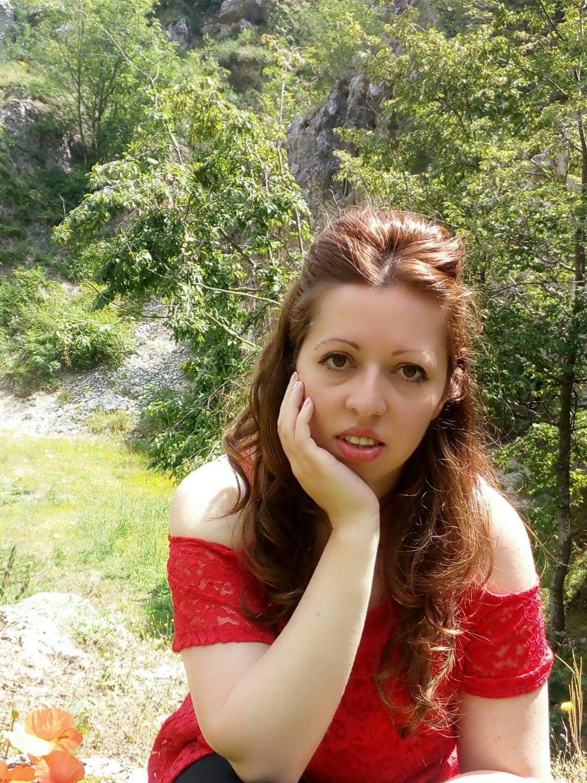 """Elena Lombardi ancora sulla breccia. La scrittrice molisana presenta al pubblico il suo nuovo libro: """"Respiro nel tuo abbraccio""""."""
