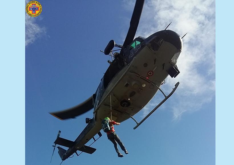 Esercitazione del Corpo Nazionale Soccorso Alpino e Speleologico con elicotteri dell'Aeronautica Militare.