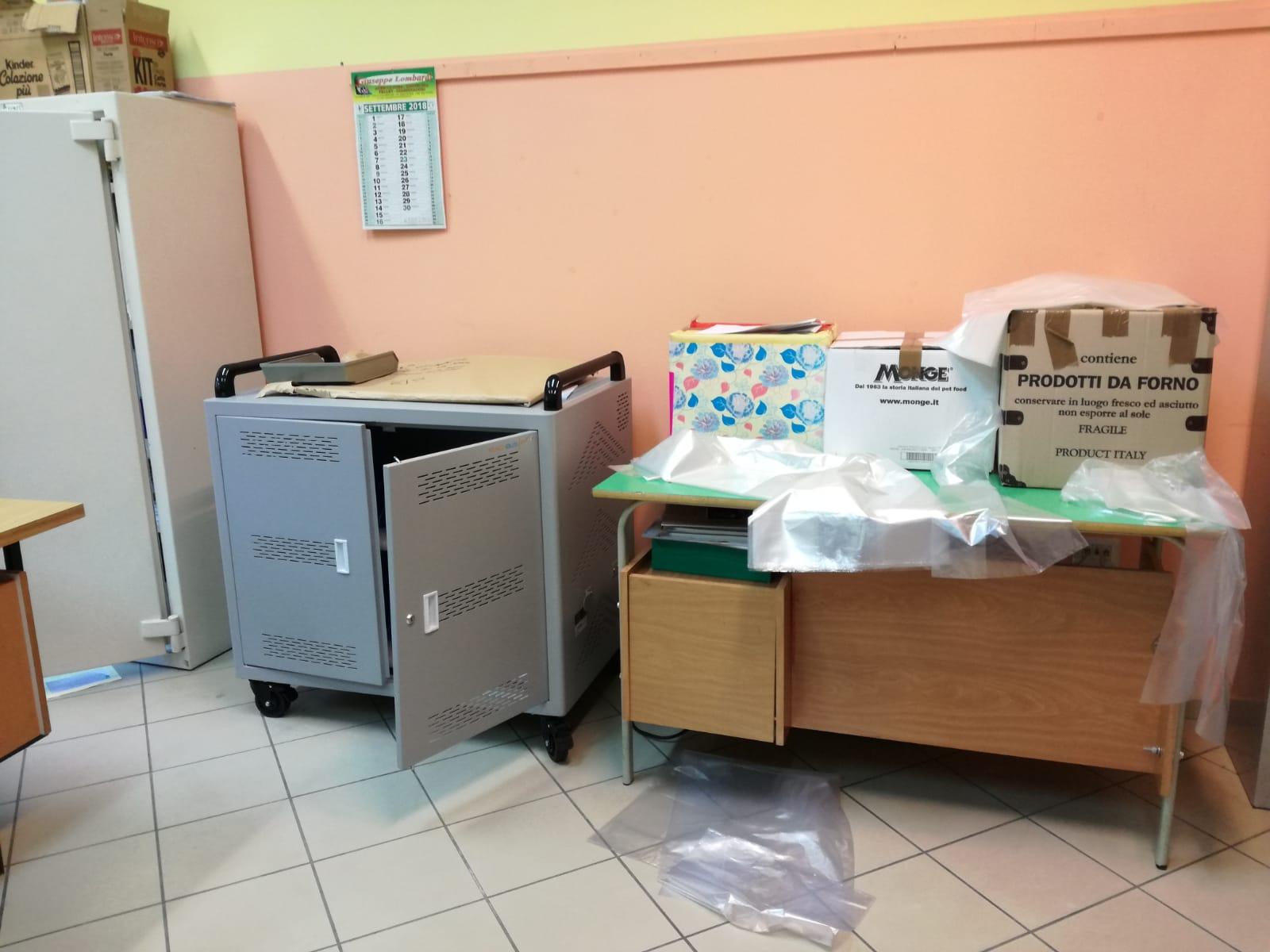 Colli a Volturno: ladri in azione all'interno della scuola. Portati via 19 computer portatili. Indagini in corso dei Carabinieri.