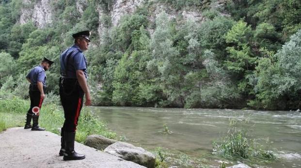 Agnone: i Carabinieri salvano alcuni escursionisti durante il rafting sul fiume Sangro. Sorpresi da un diluvio durante l'attività sportiva.