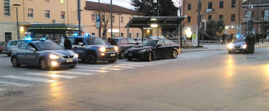 Isernia: droga alla stazione, la Polizia denuncia quattro giovani