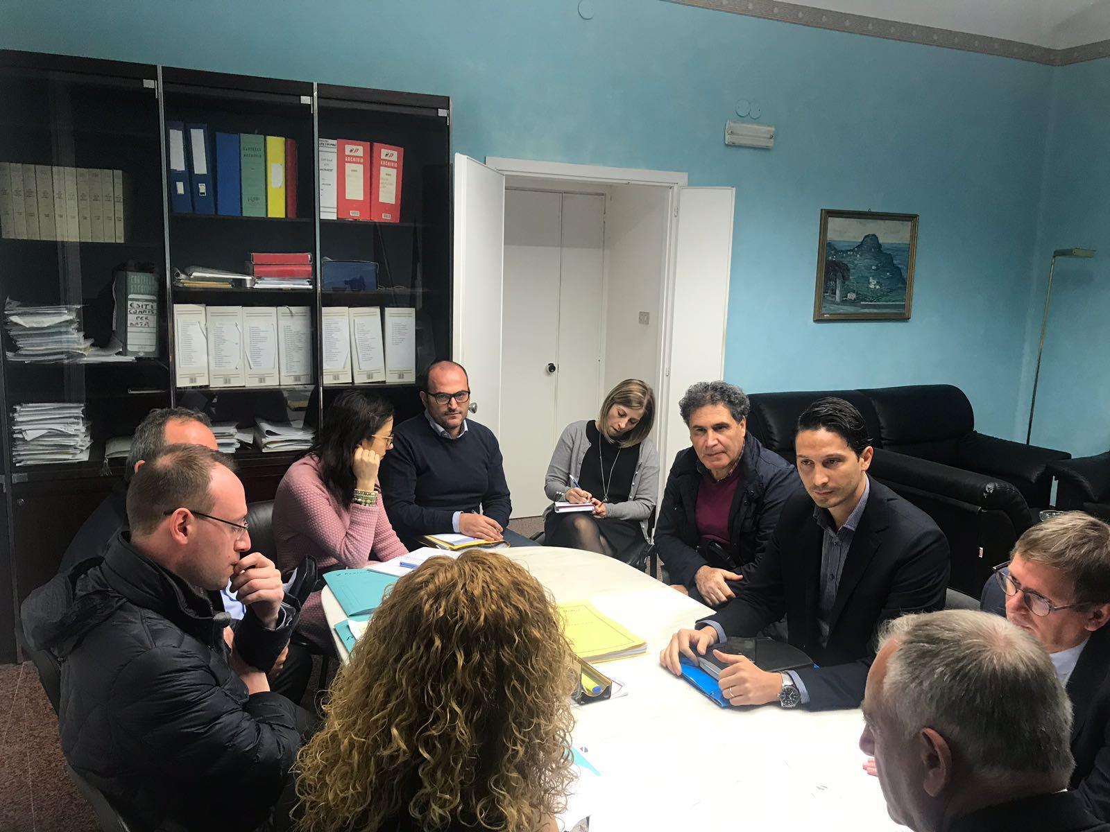 """Mobilità studenti ISISS """"A. Giordano"""" di Venafro,  impegno di Niro e Tedeschi per la soluzione del problema. Stamani tavolo tecnico in Assessorato."""