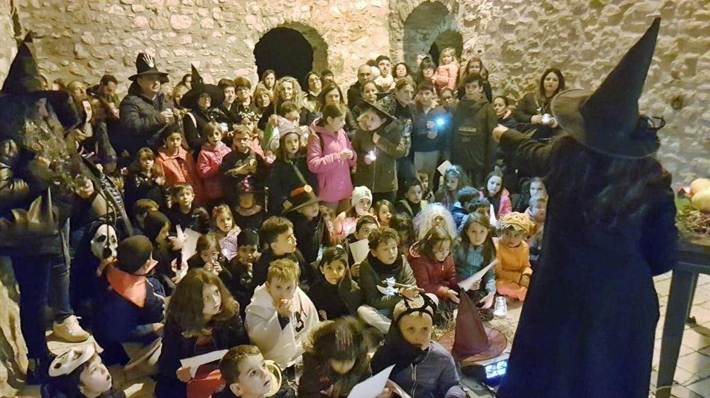 Fornelli: successo per la notte al Borgo infestato. Centinaia i bambini che si sono divertiti grazie a ME.MO. Cantieri culturali.