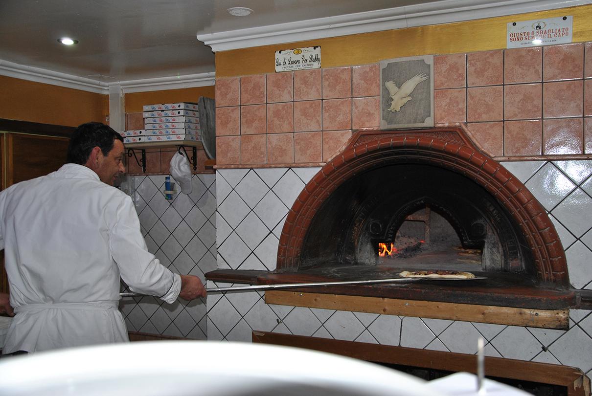 """Colli a Volturno: comunità in lutto per la scomparsa di Ermindo Cardarelli, uno dei decani della ristorazione molisana con la sua """"Falconara""""."""