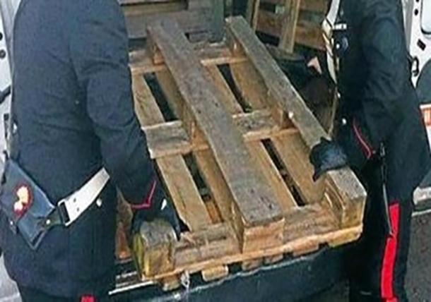 Venafro : Furto di pedane in legno. I Carabinieri denunciato una persona. Aveva perpetrato il colpo presso un'azienda del nucleo industriale di Pozzilli.