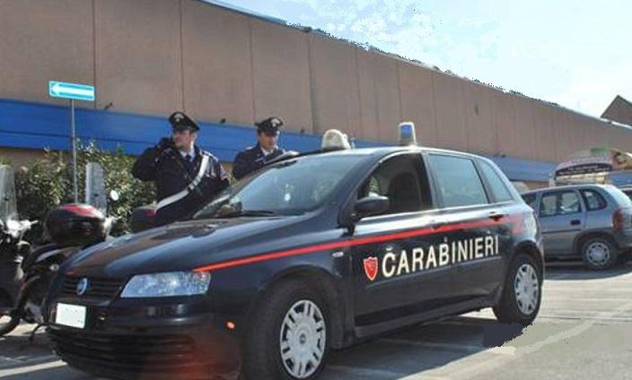 Isernia: Furto in un supermercato. I Carabinieri denunciano una straniera.