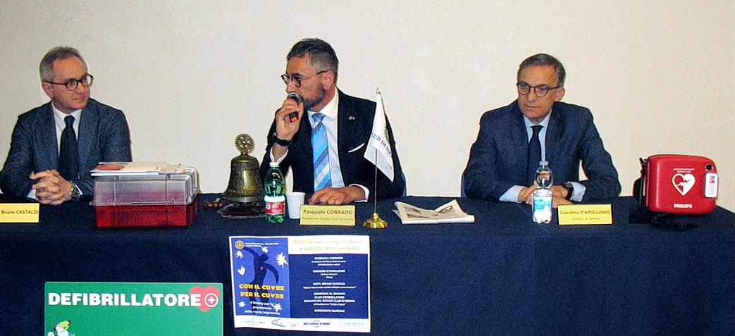 Isernia: il Rotary dona un defibrillatore alla città