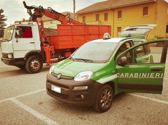 Isernia: Abbandono di rifiuti. Scattano denunce e sanzioni da parte dei Carabinieri Forestali.