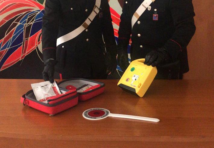 Isernia:  I Carabinieri di Isernia recuperano un defibrillatore rubato all'ospedale locale e denunciano un soggetto per ricettazione.