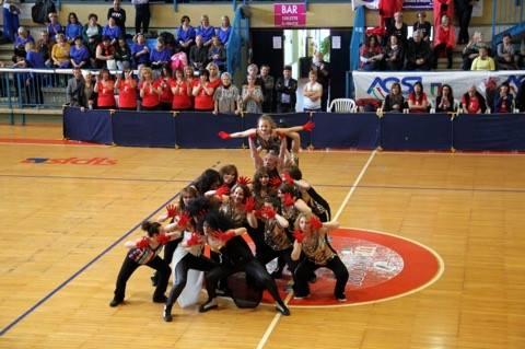 """Sport: sesto raduno nazionale balli di gruppo. Anche la scuola isernina """"Crazy Dance"""" presente all'evento di Marsciano."""