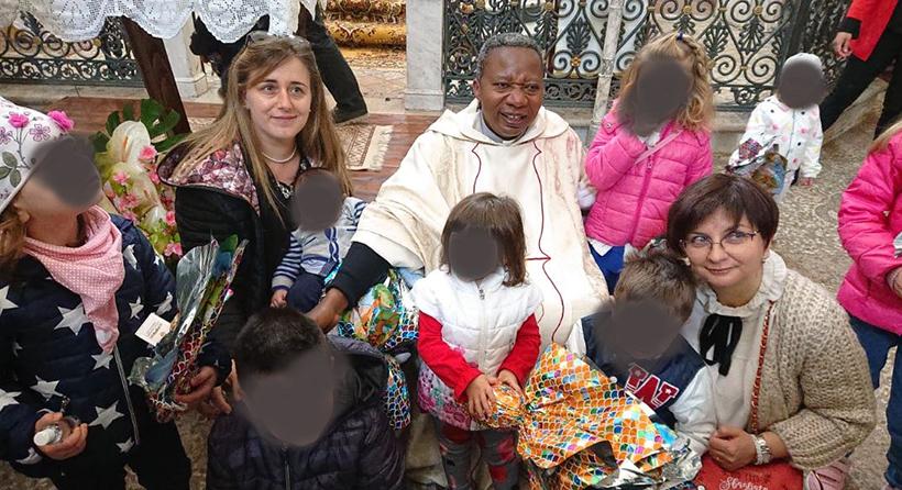 Castel San Vincenzo: uova pasquali per tutti i piccoli donate dalla Papa-Dolceamaro all'Associazione AraNova.