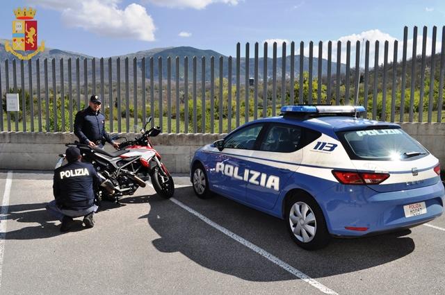 Isernia: denunciati 3 minorenni stranieri dalla Polizia per tentato furto di una motocicletta.
