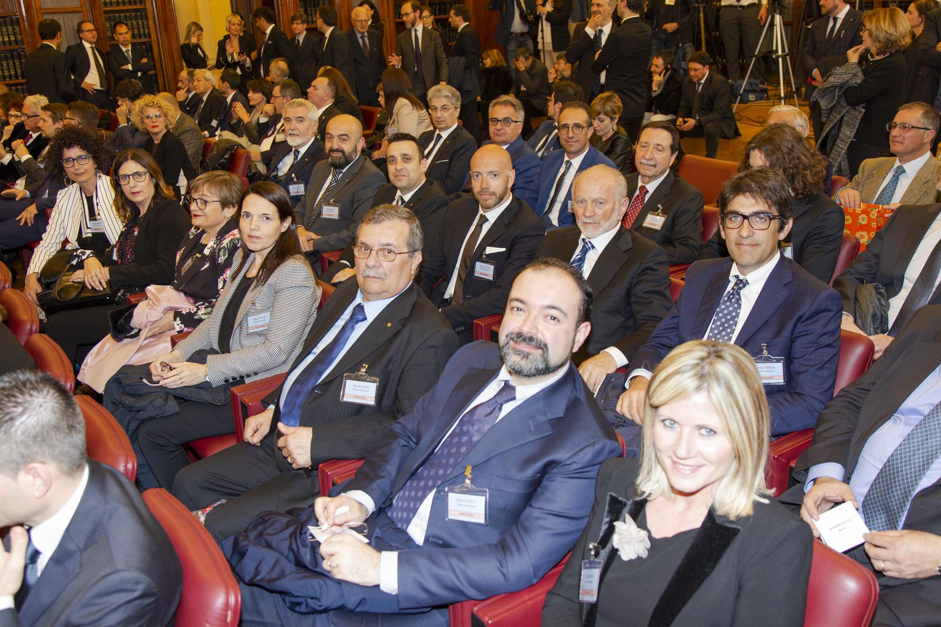 Atessa (Ch): premio Minchella, alla BCC Sangro Teatina. Prestigioso riconoscimento consegnato al presidente Vincenzo Pachioli al Senato.
