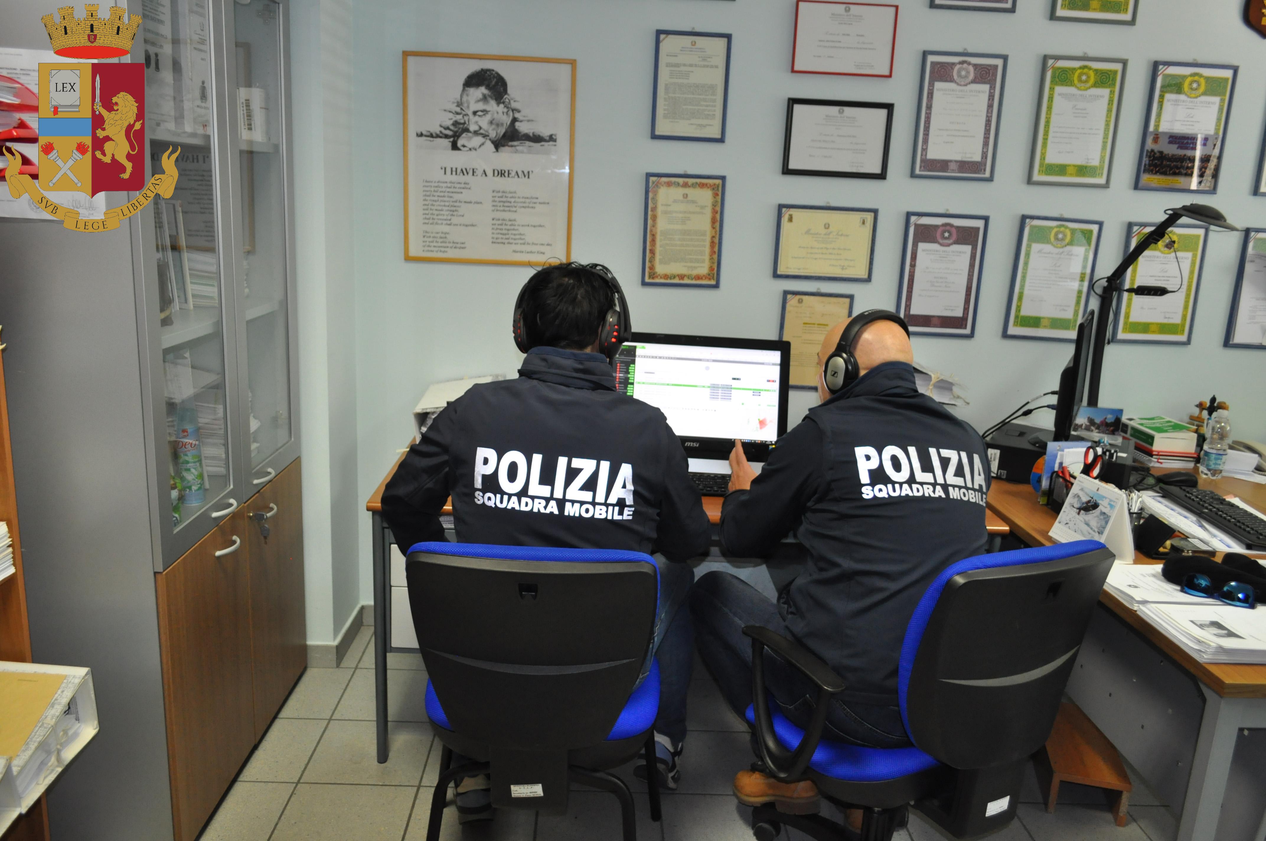 La Polizia di Stato smaschera due truffatori del web. Aveva acquistato pneumatici per macchina agricole mai ricevuti.