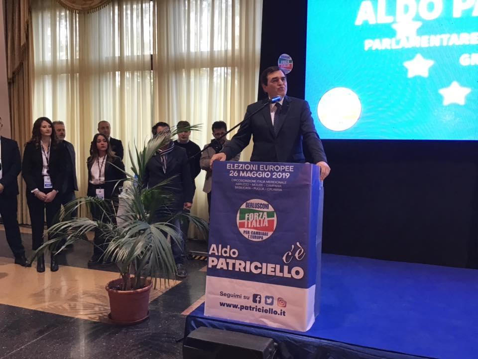 Europee 2019: Aldo Patriciello abbraccia il Molise. Bagno di folla per l'apertura della campagna elettorale.