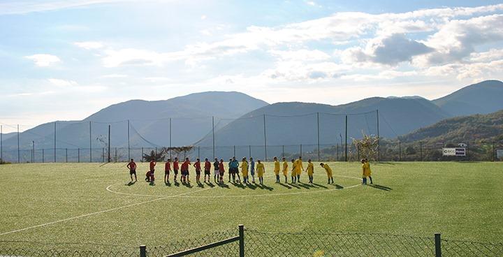 Fornelli: Impiantistica sportiva, in dirittura d'arrivo i lavori di rifacimento degli spogliatoi del campo da calcio e del campo da tennis.