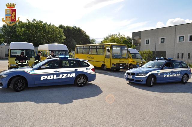 Isernia: La Polizia esegue controlli serrati sugli scuolabus e gli altri mezzi di trasporto collettivo di studenti. Guarda il video.