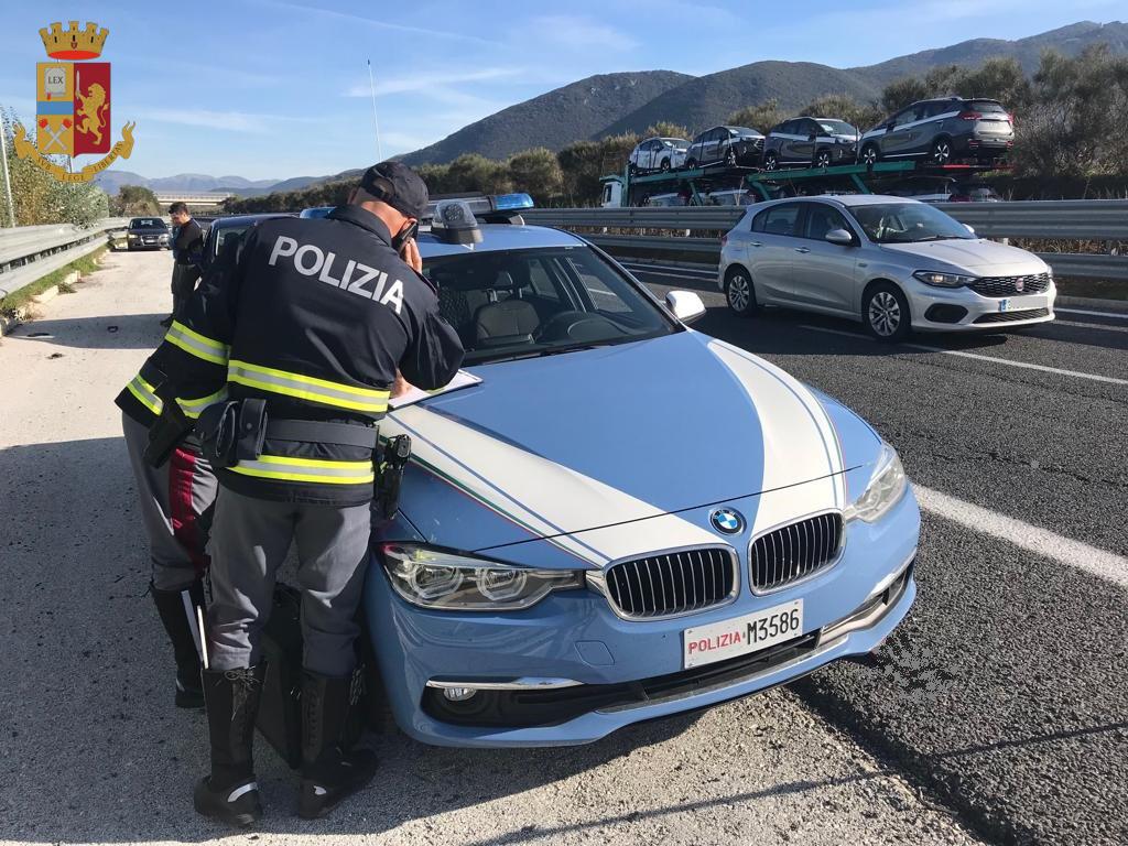 """Isernia: la Polizia stradale porta avanti la campagna europea sulla sicurezza stradale """"Truck e Bus"""". Controllati oltre 100 veicoli."""