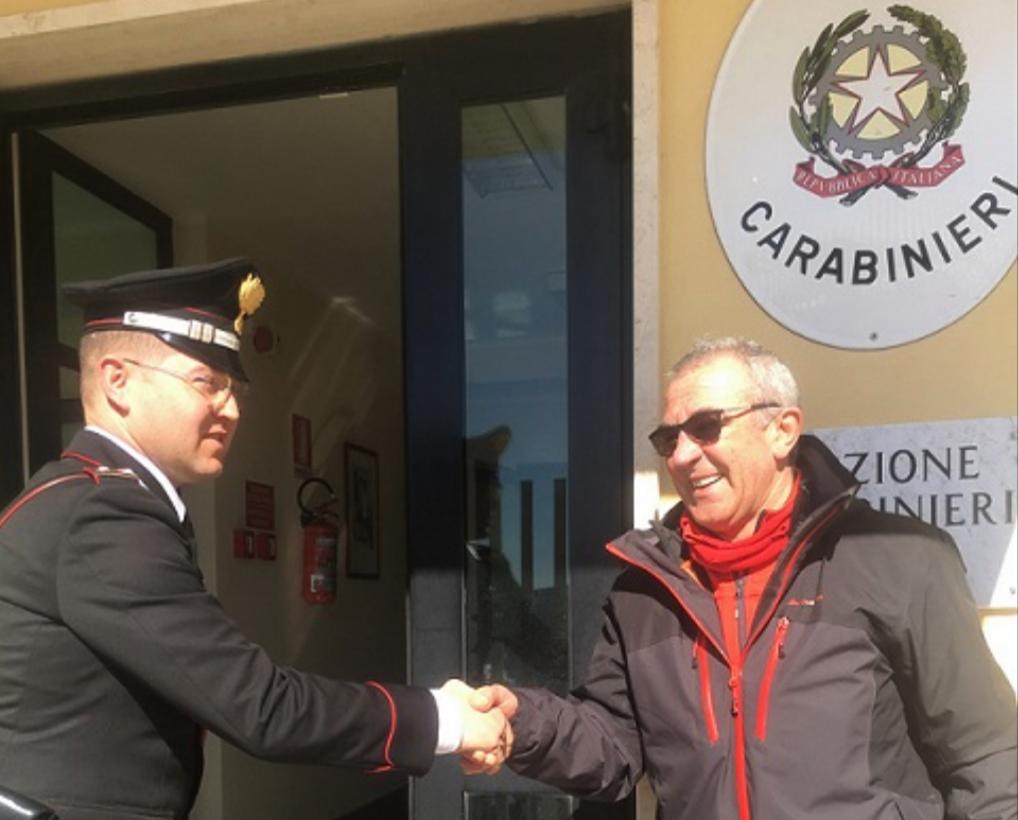 Ringraziano i Carabinieri per averli salvati durante la bufera. Ad Agnone cittadini invitati in Caserma