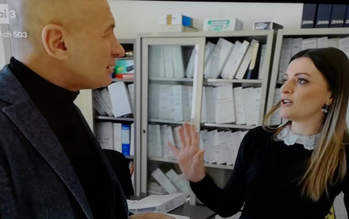 """Pizzone: il sindaco di tutti Letizia Di Iorio si è raccontata a Domenico Iannacone. Grande successo per la puntata di """"Che ci faccio qui"""". Guarda i video e tutta la trasmissione."""