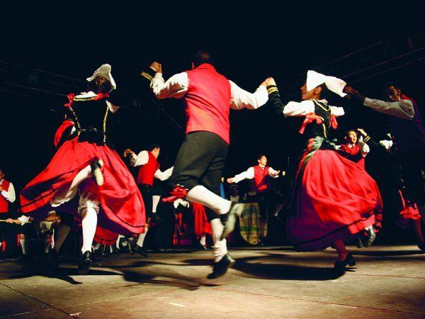 Carpinone , il paese dove danza il Mondo.