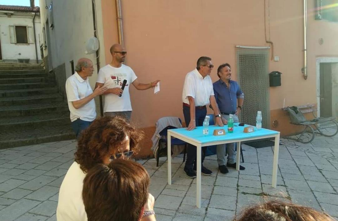 Vastogirardi: la Pro Loco dona un defibrillatore alla comunità.
