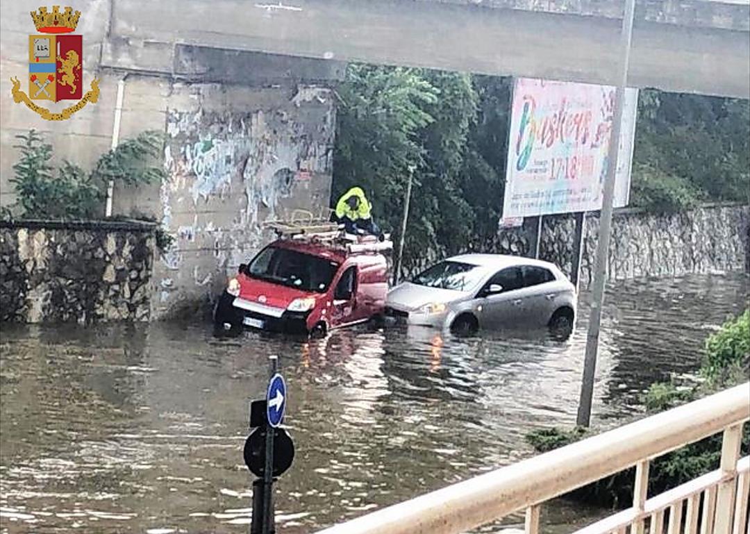Isernia: diversi gli interventi ieri pomeriggio della Polizia durante la bomba d'acqua