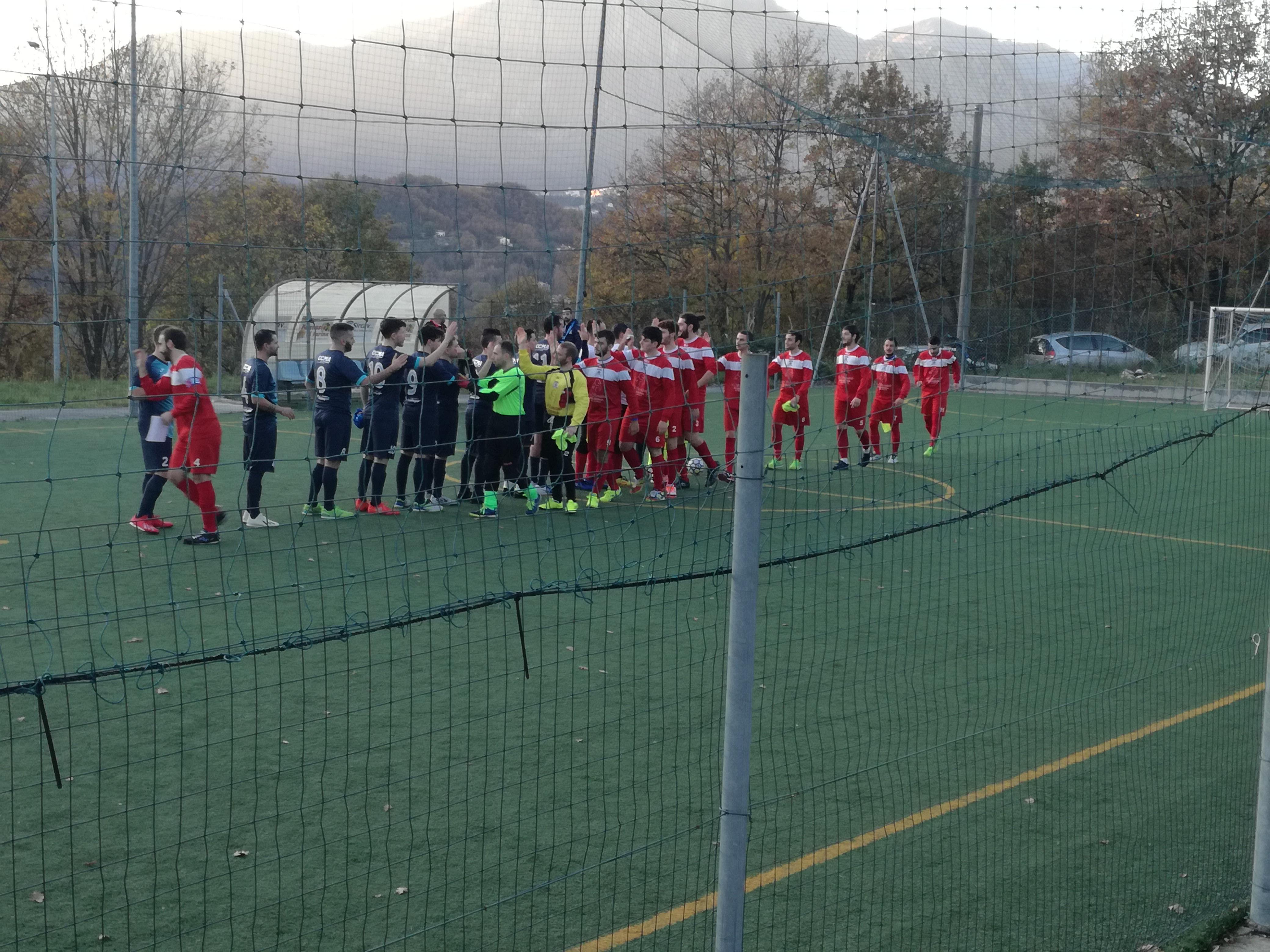 Calcio a 5 serie C1: LA Futsal Colli vola in vetta. Dominato il Roccaravindola. Mancini, Fasano e Paolone decidono il big match.